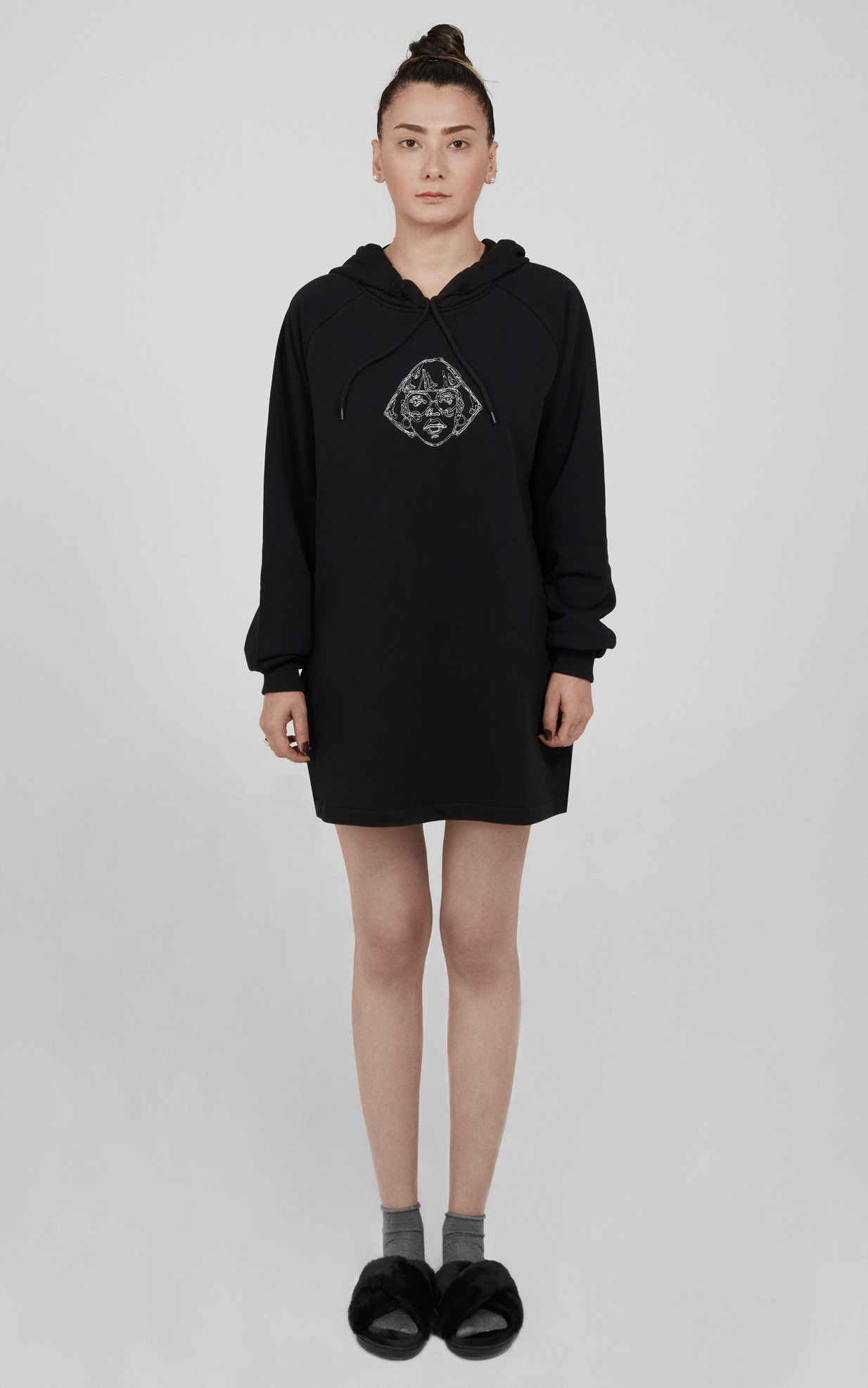 EMBROIDERED SWEATSHIRT DRESS LOOK02