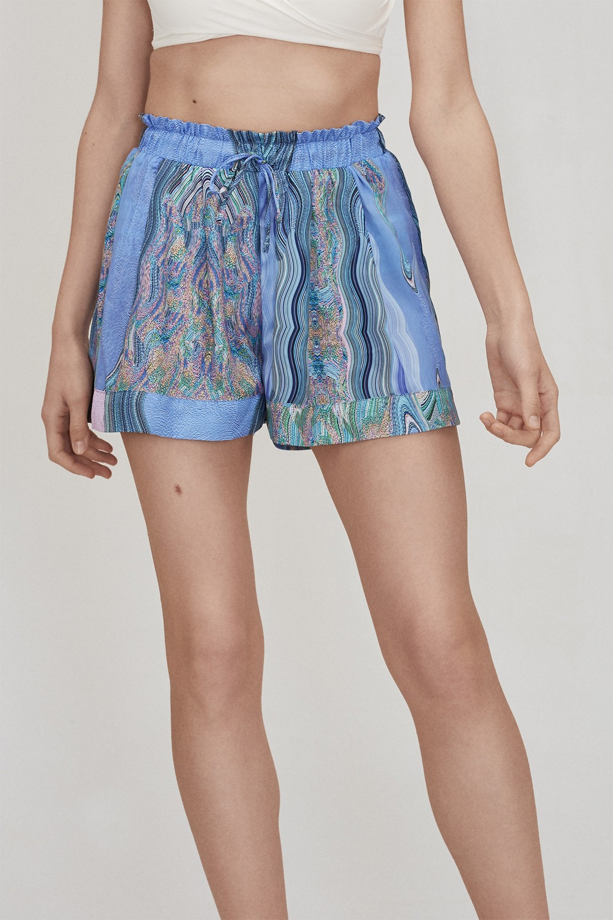 SPACE CAKE SHORTS LOOK 9